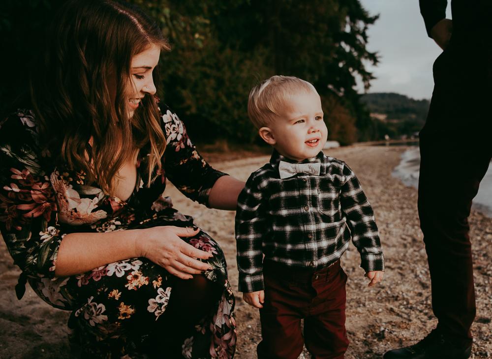 sargent-bay-family-photographer-session-Sunshine-Coast-BC-Katie-Bowen-Photography-5.jpg