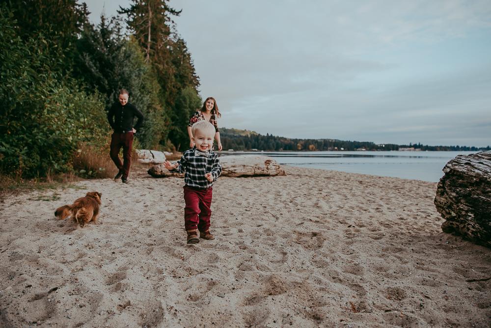 sargent-bay-family-photographer-session-Sunshine-Coast-BC-Katie-Bowen-Photography-11.jpg