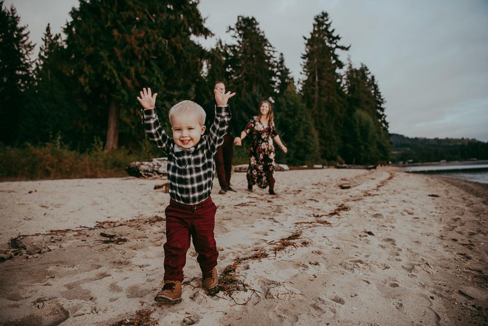 sargent-bay-family-photographer-session-Sunshine-Coast-BC-Katie-Bowen-Photography-13.jpg