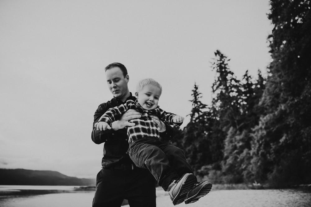 sargent-bay-family-photographer-session-Sunshine-Coast-BC-Katie-Bowen-Photography-21.jpg