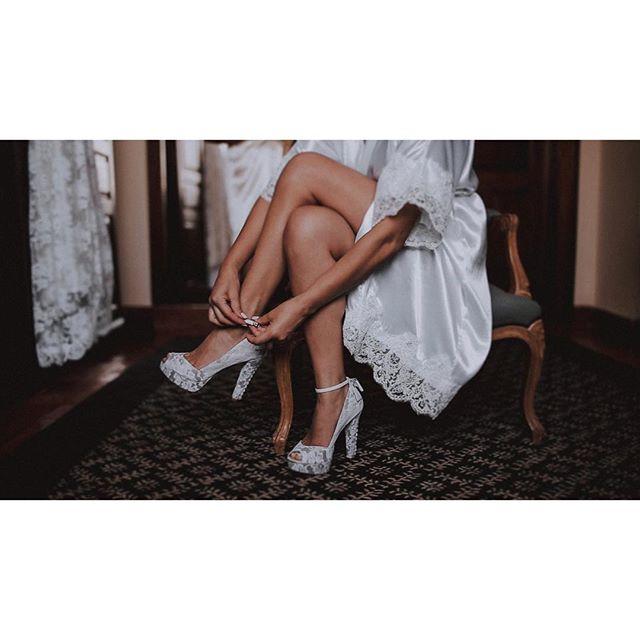 Details . . . #somethingaboutfilms #weddingportugal2018 #weddingportugal #weddinglisbon #weddingvideo #videocasamento #weddingfilm #video #lisbonweddingvideographer #lisbonvideographer #weddingvideographer #bride #noiva