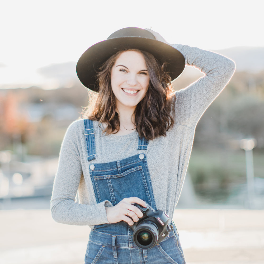 Meet alison - I'm Alison Plueckhahn, a wedding & portrait photographer based in Waco, Texas.Lover of Jesus, good books, and snuggles with my sweet puppy Brighton.