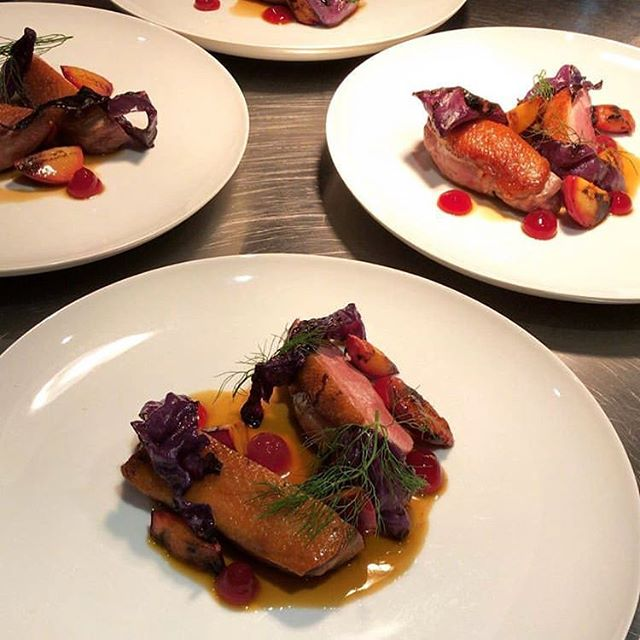 Pan seared duck breast 🦆BBQ honey plums, plum ketchup and spiced cabbage 😍