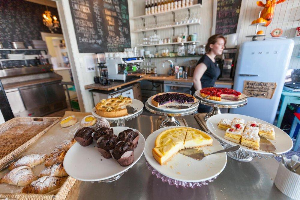 Spisesteder i Lofoten    RESTAURANTGUIDE    Kafeer / Restauranter