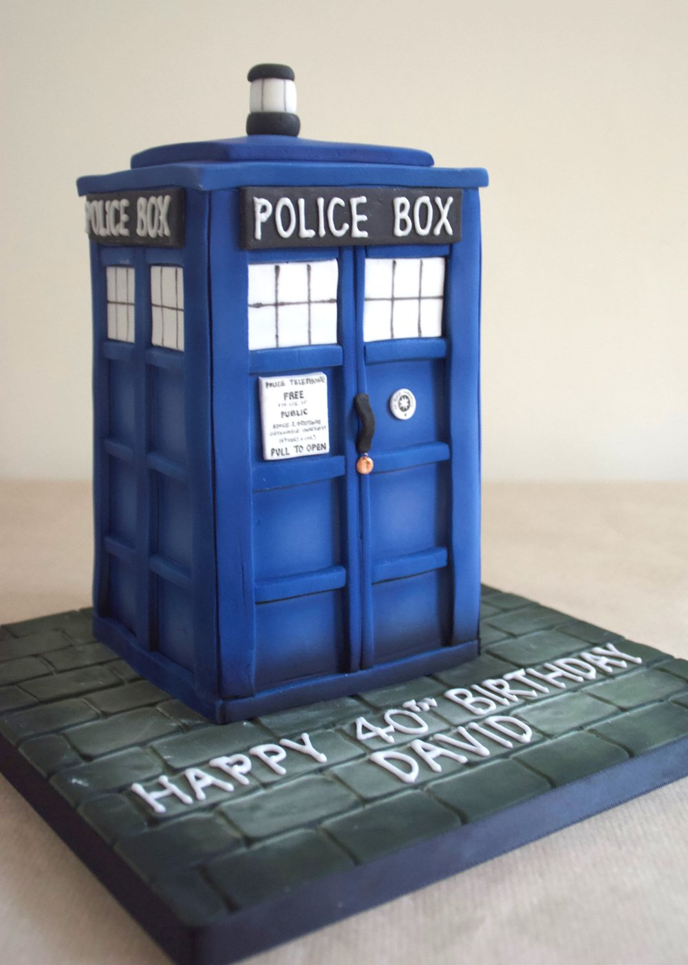 Dr Who's Tardis birthday cake