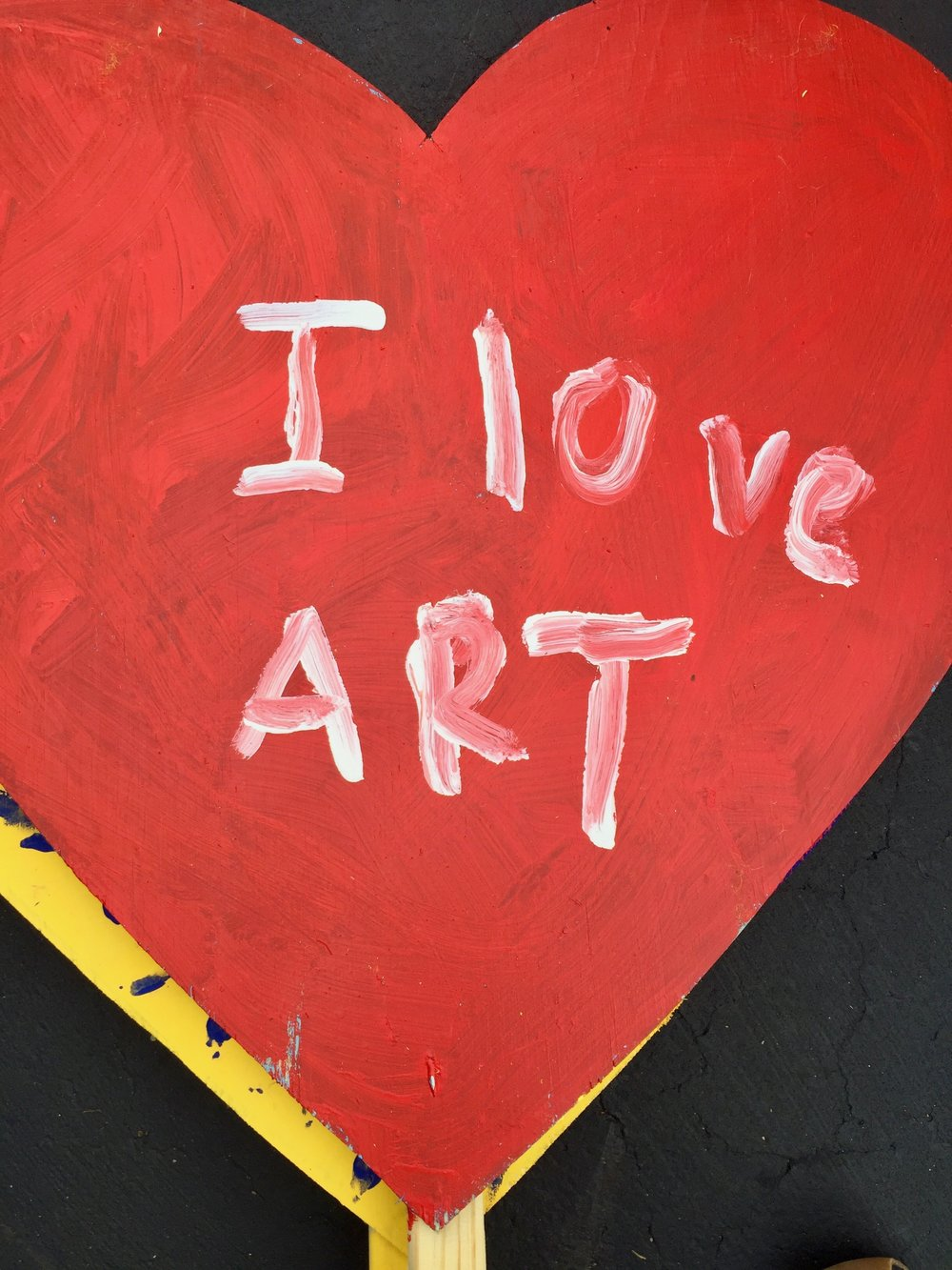 i-love-art-yard-heart.jpg