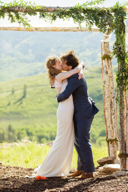 cushings-cabin-wedding-deer-valley-24.jpg