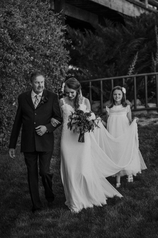 moab-destination-wedding-photographer-15.jpg
