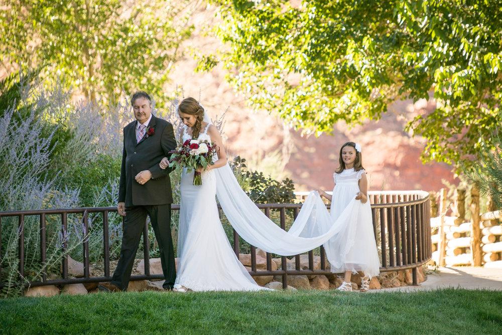moab-destination-wedding-photographer-17.jpg