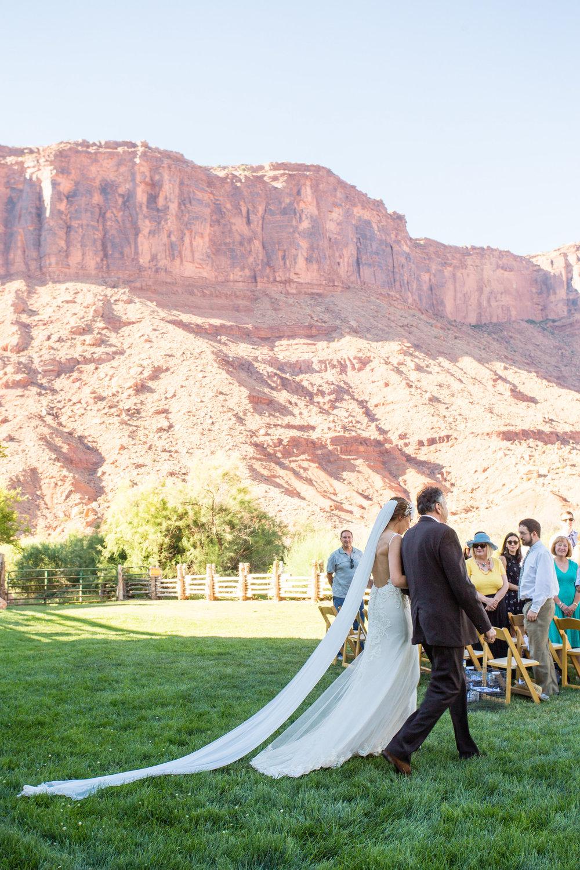 moab-destination-wedding-photographer-18.jpg