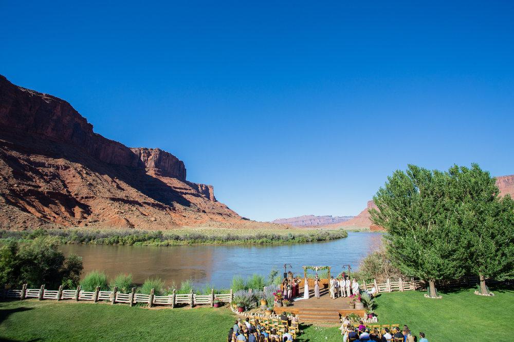 moab-destination-wedding-photographer-19.jpg