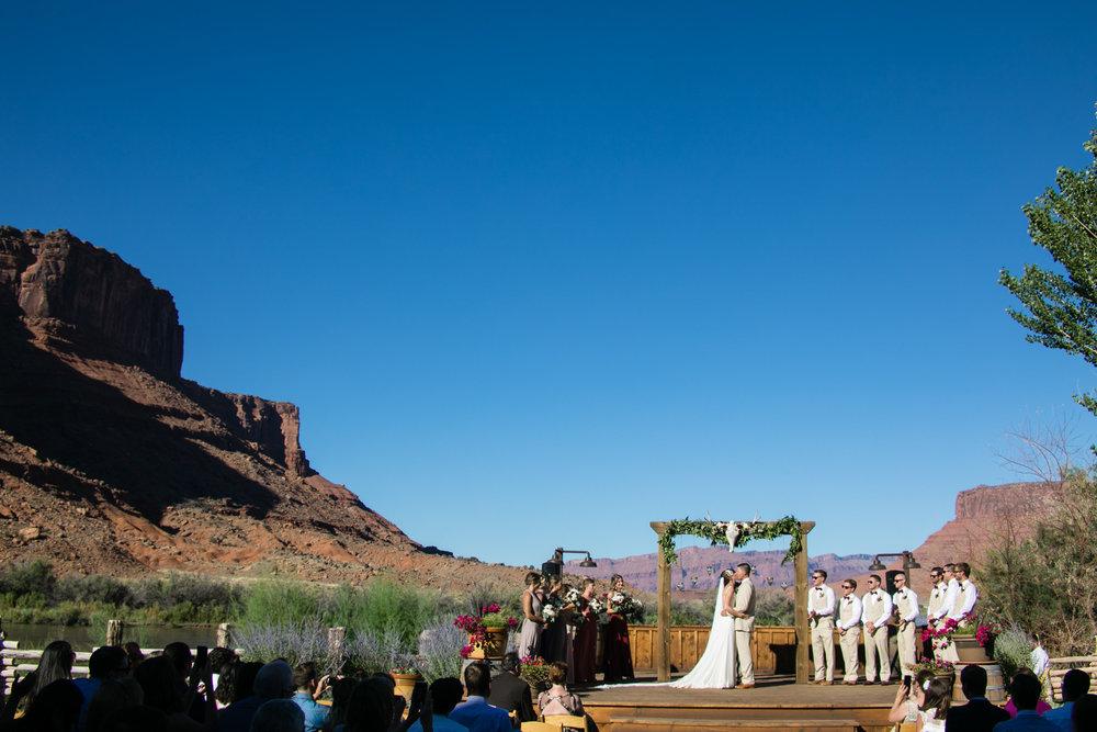 moab-destination-wedding-photographer-23.jpg