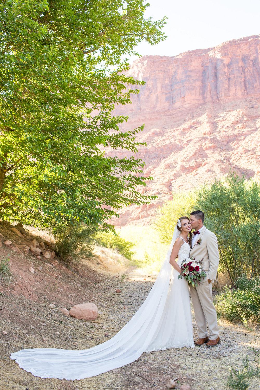 moab-destination-wedding-photographer-27.jpg
