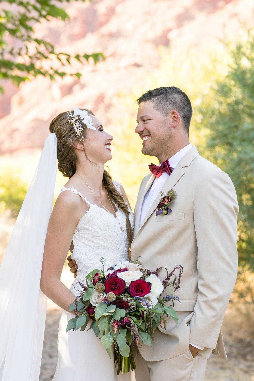 moab-destination-wedding-photographer-30.jpg