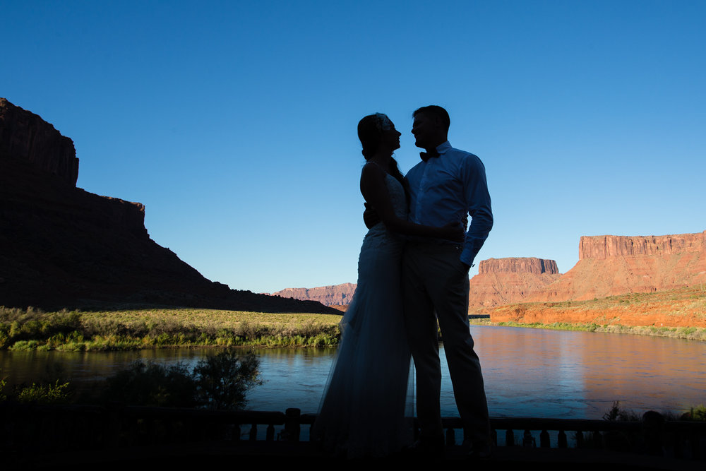 moab-destination-wedding-photographer-31.jpg