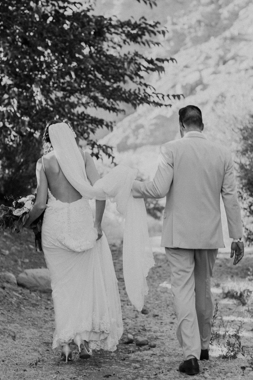moab-destination-wedding-photographer-32.jpg