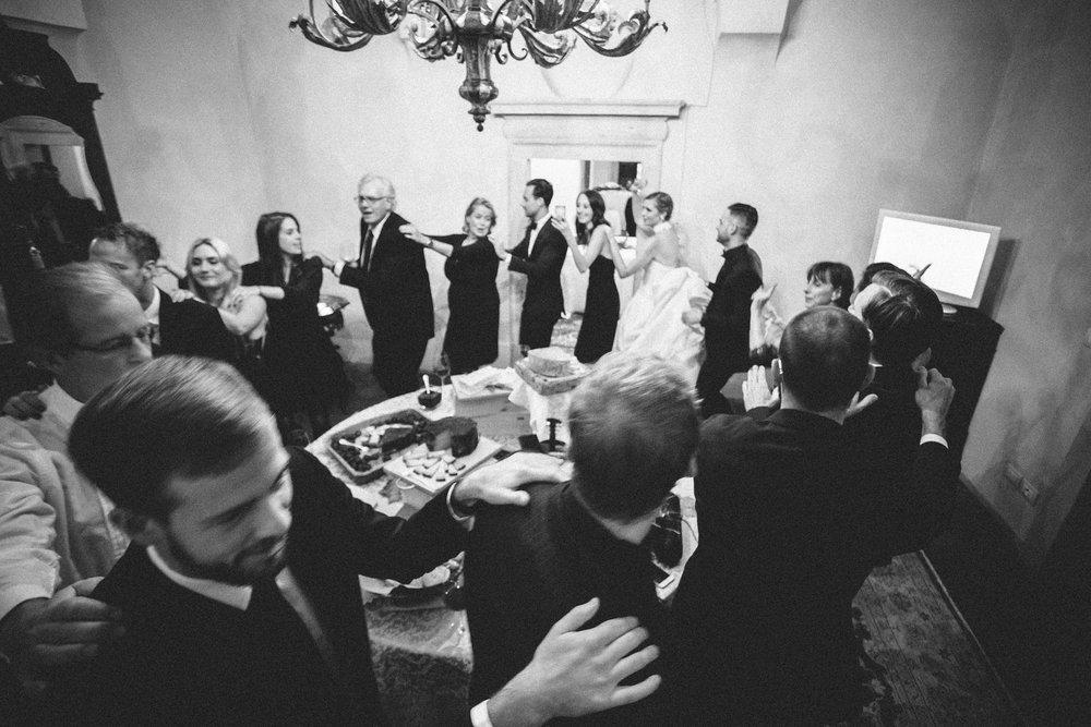 italy-destination-wedding-photographer-68.jpg