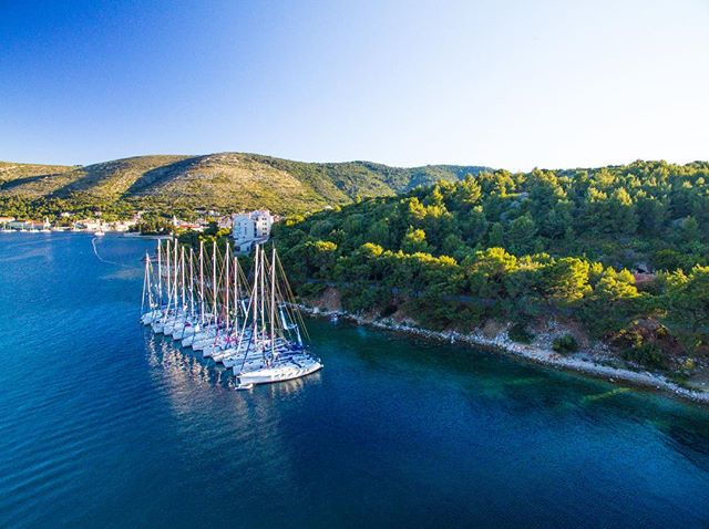 Exactly 1 week until Sal and Bart will be flying out to Corfu for another season's work with @summersailweek 😱☀️☀️🤪