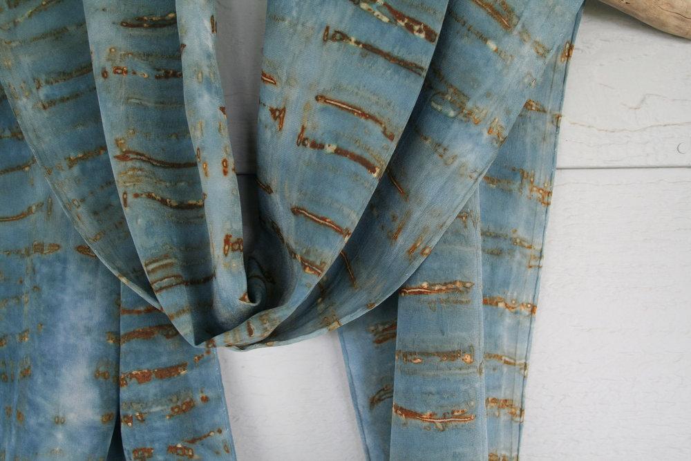 Blue scarf 1920[560].jpg