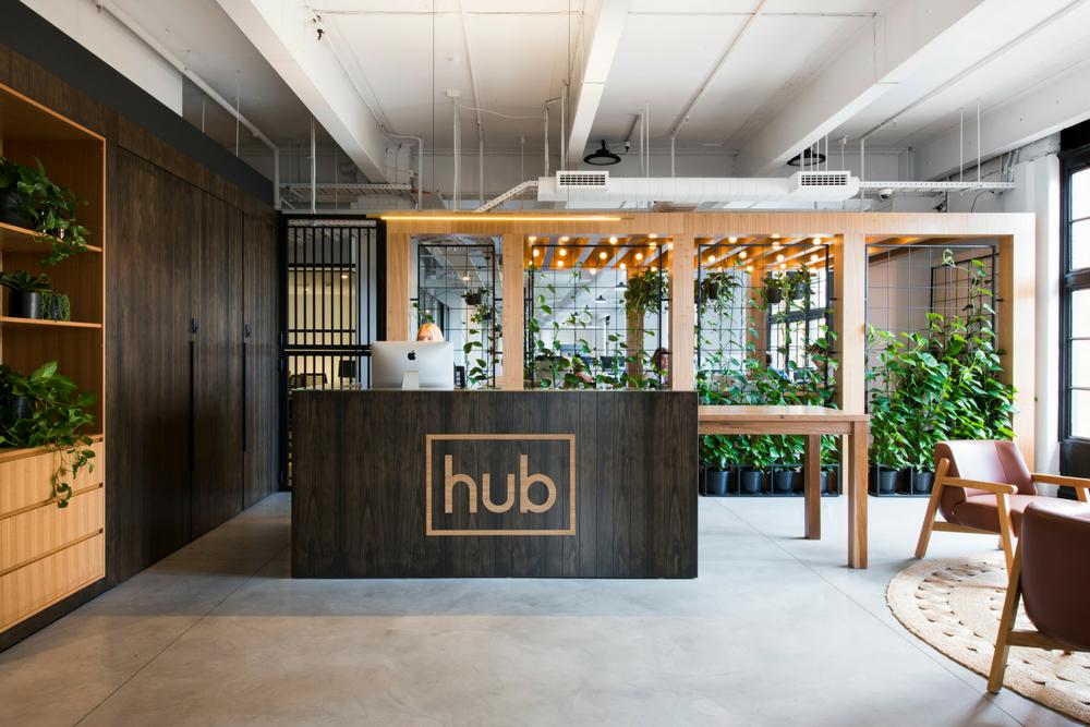 Hub-host-desk.png