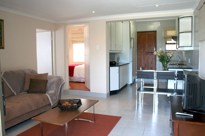 Self-Catering-Unit-02.jpg