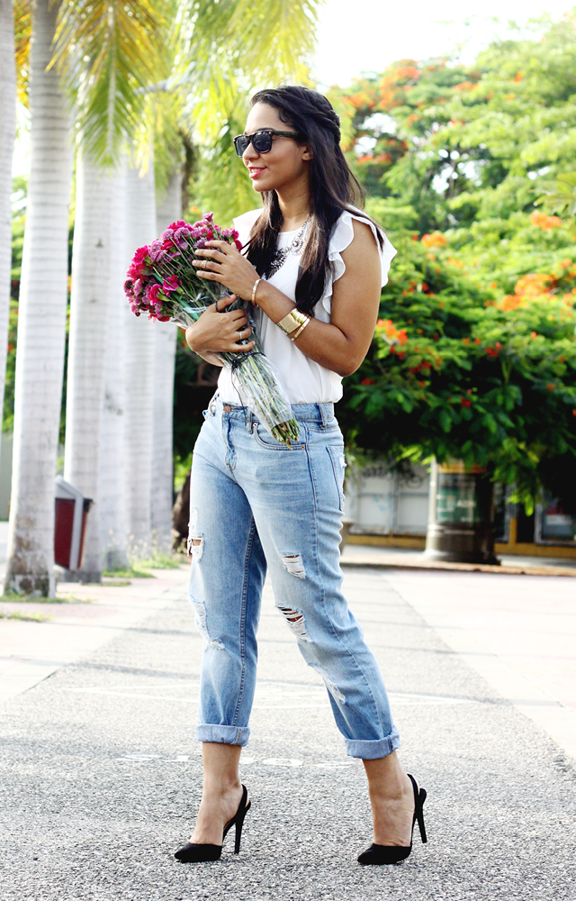Cosejos Para Usar Los 'Boyfriend Jeans' // La gente dice que cuando una mujer se apega a algo, se quedará con eso hasta que pueda. Estoy teniendo la misma reacción con los 'boyfriend jeans'.