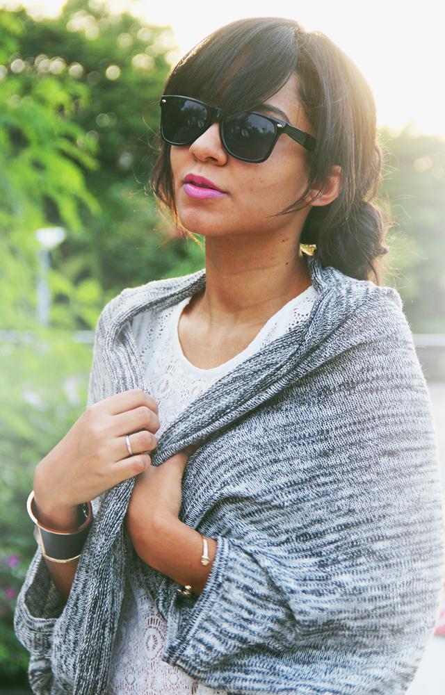 COMO LUCIR UN SUÉTER TEJIDO // ¿Como puedes lucir un suéter tejido en muchas maneras? En esta serie de artículos les enseño cuatro maneras de lucir un suéter tejido para este otoño.