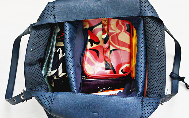 Organiza Tu Bolso Desorganizado Como Un Pro // ¿No puedes encontrar las llaves del tu carro dentro de tu bolso? Aprende y organiza tu bolso desordenado como una profesional.