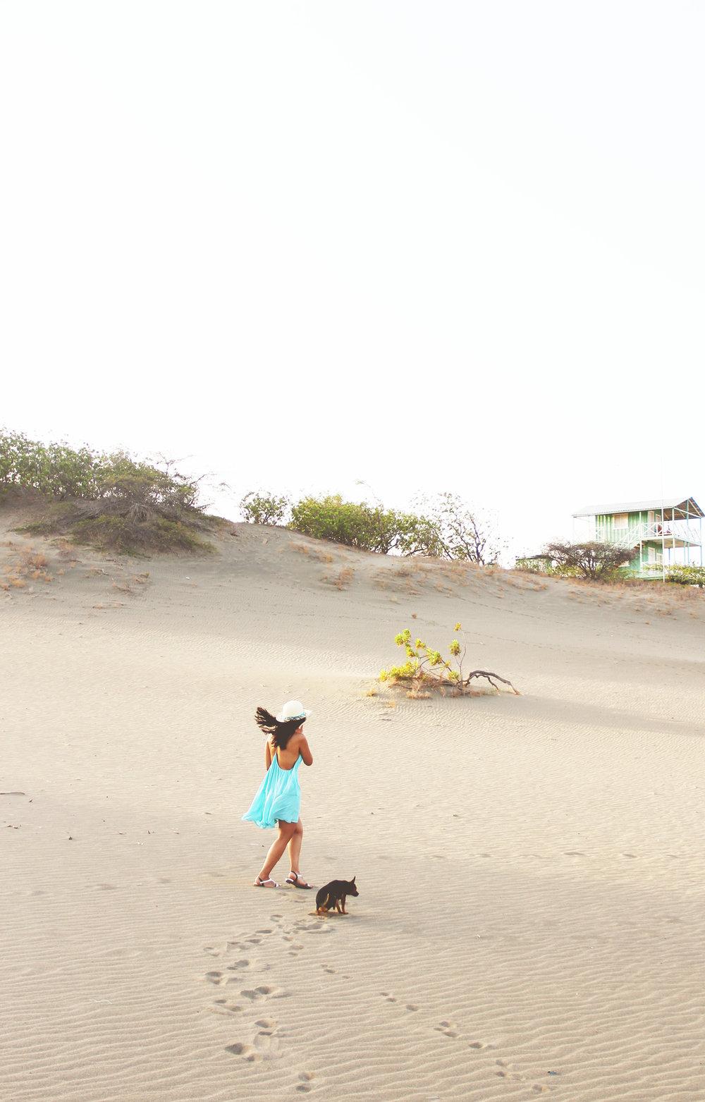 Un Sueño Bohemio En Las Dunas De Baní // ¡Las Dunas de Baní son las dunas de arena más grandes del Caribe! Un lugar increíble para una sesión de fotos bohemia ....