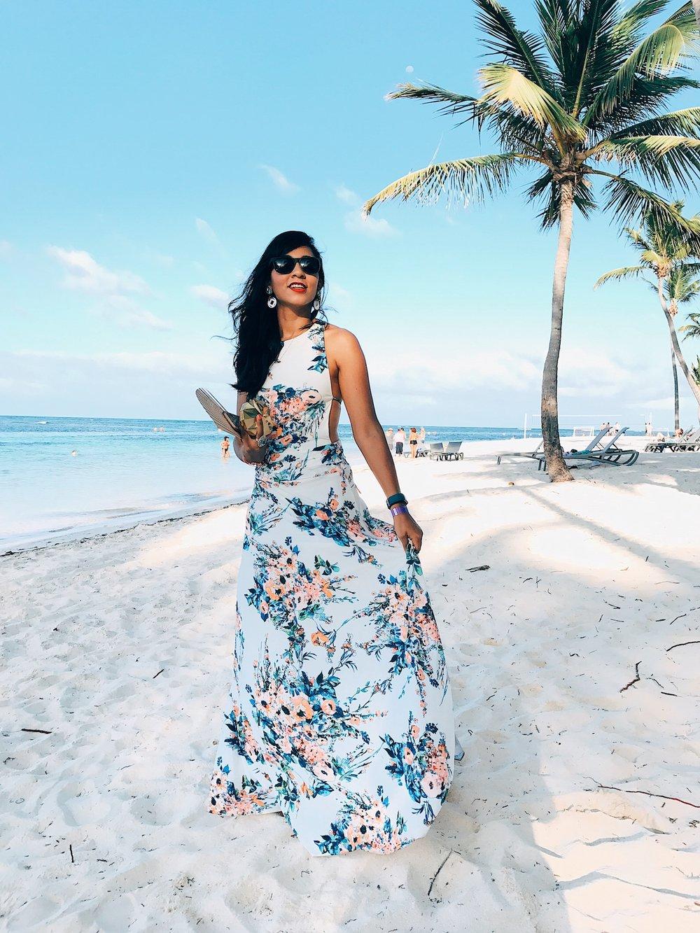 Donde conseguir vestidos para una boda en la playa que lucen más de lo que cuestan. Estos vestidos están super coquetos y adsequibles.