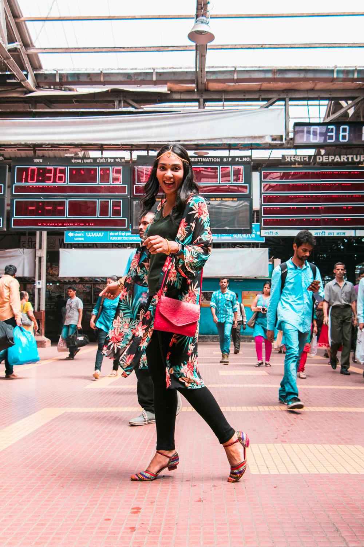 ¿Interesado en viajar a la India? Aquí la guía completa que necesitas saber: vuelos, vestimienta, lugares turísticos, costo, transporte y mucho más.viaje-india-travel-guia-48-Victoria-Terminus