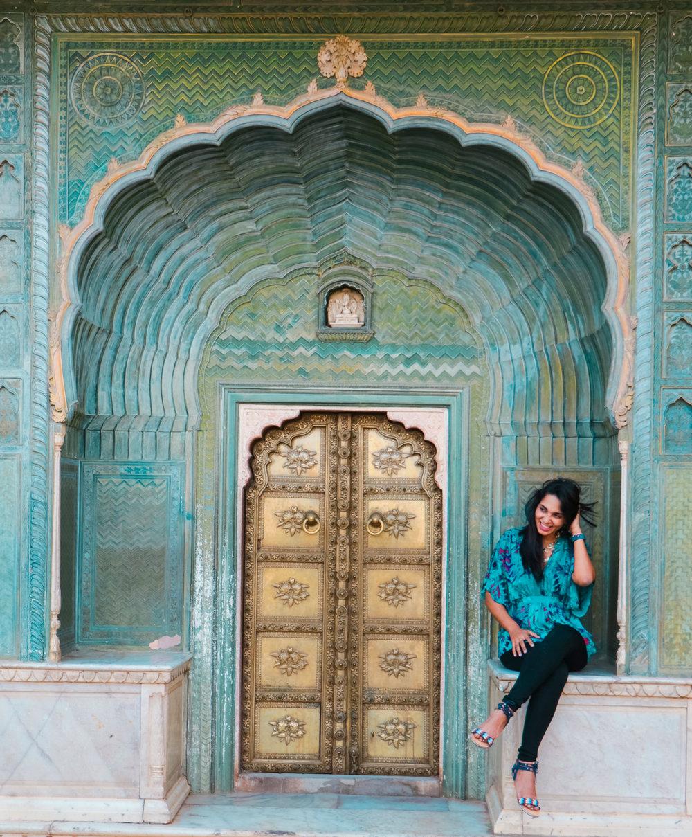 ¿Interesado en viajar a la India? Aquí la guía completa que necesitas saber: vuelos, vestimienta, lugares turísticos, costo, transporte y mucho más.viaje-india-travel-guide_5-city-palace-jaipur