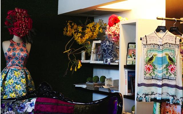 Mary Katrantzou Exhibe Su Colección Primavera-Verano