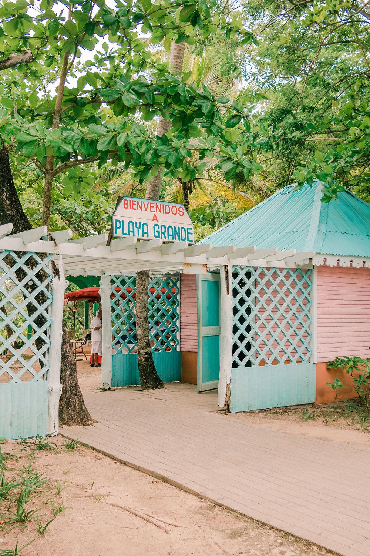 Playa Grande | Esta es nuestra guía completa de viaje a Cabrera y la Laguna Dudú; desde dónde ir, cómo llegar, y presupuesto. Definitivamente, la  República Dominicana lo tiene todo, lo comprobé en este viaje.