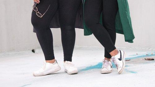 La Forma Más Chic De Usar Tenis Blancos