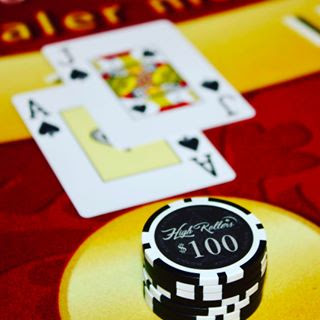 high-rollers-social-club-blackjack-cards.jpg