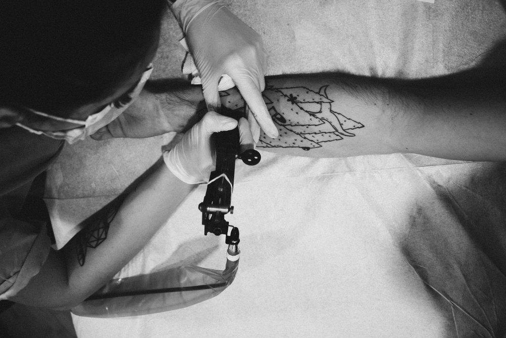 arm-artist-black-and-white-1433271.jpg