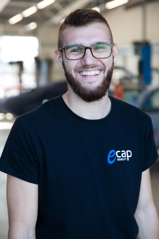 Daniel Rüger | Kfz-Mechatroniker  dru@ecap-mobility.com