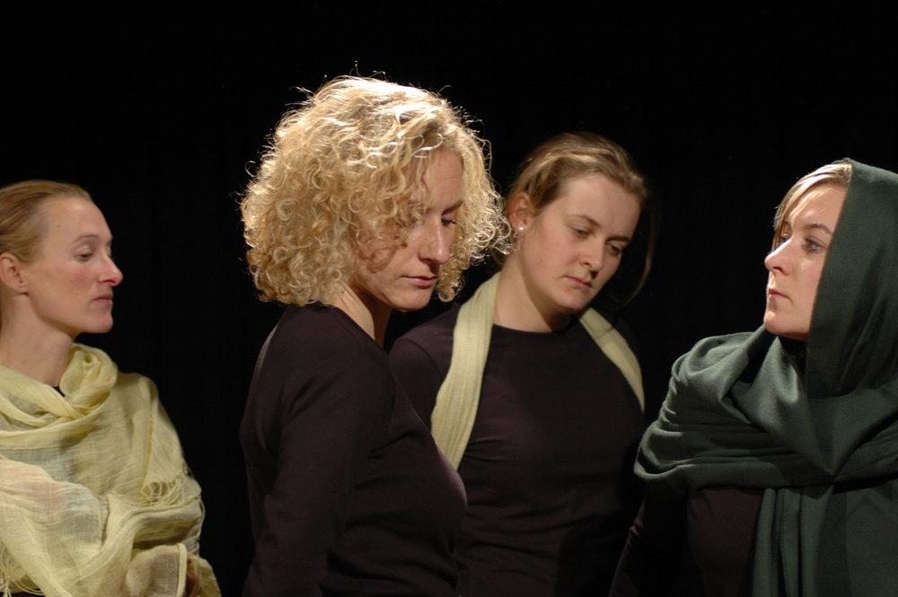 2006 TheaterStudio Freitag Medea 15.JPG