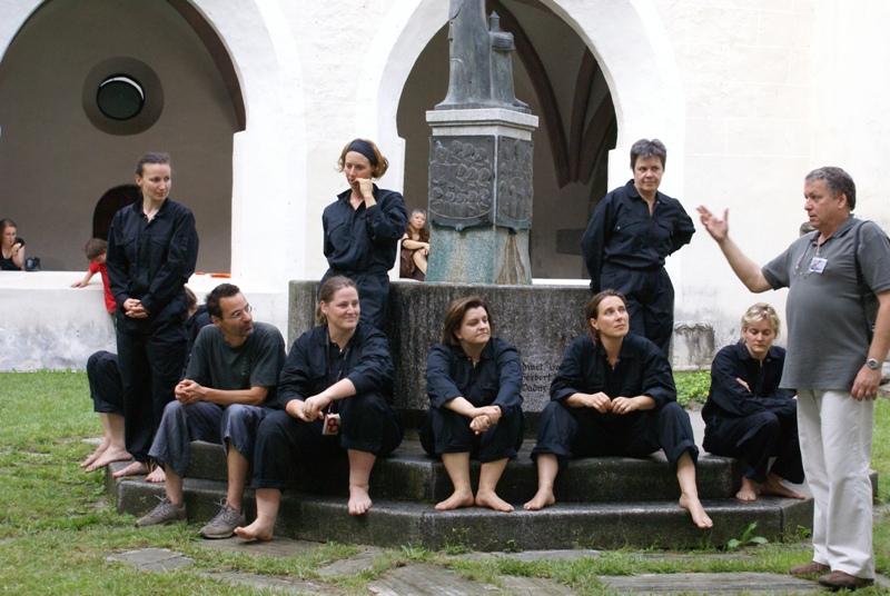 2008 TheaterStudio Freitag Wer ohne Sünde ist 3.JPG