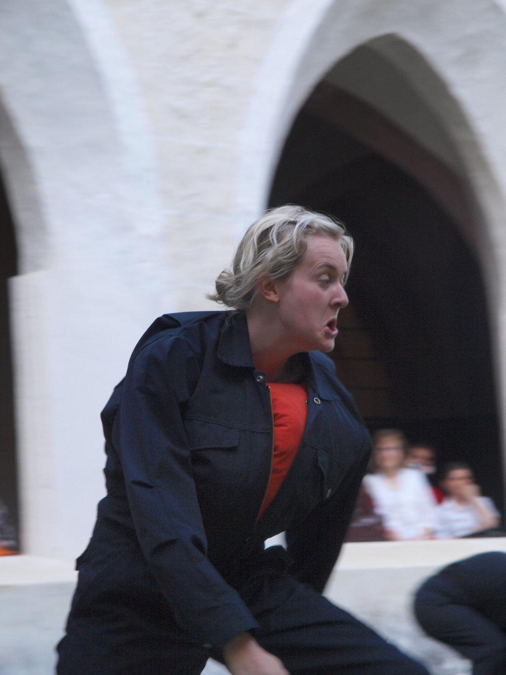 2008 TheaterStudio Freitag Wer ohne Sünde ist Neustift  08.JPG