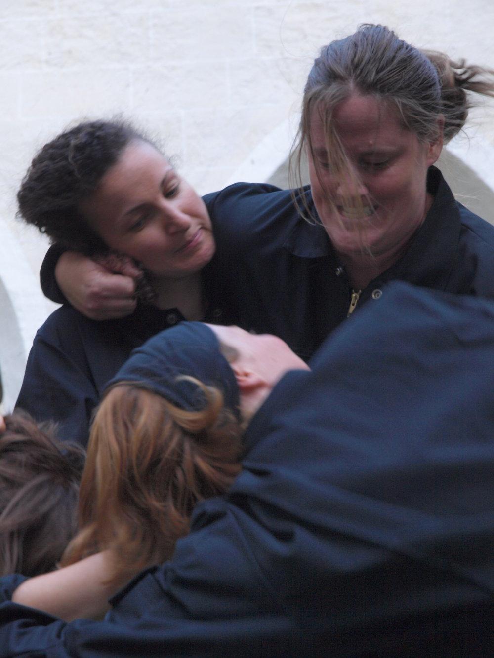 2008 TheaterStudio Freitag Wer ohne Sünde ist Neustift  13.JPG