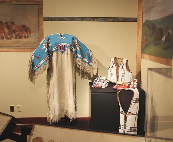 Plains-Indian-Artifacts_10.jpg