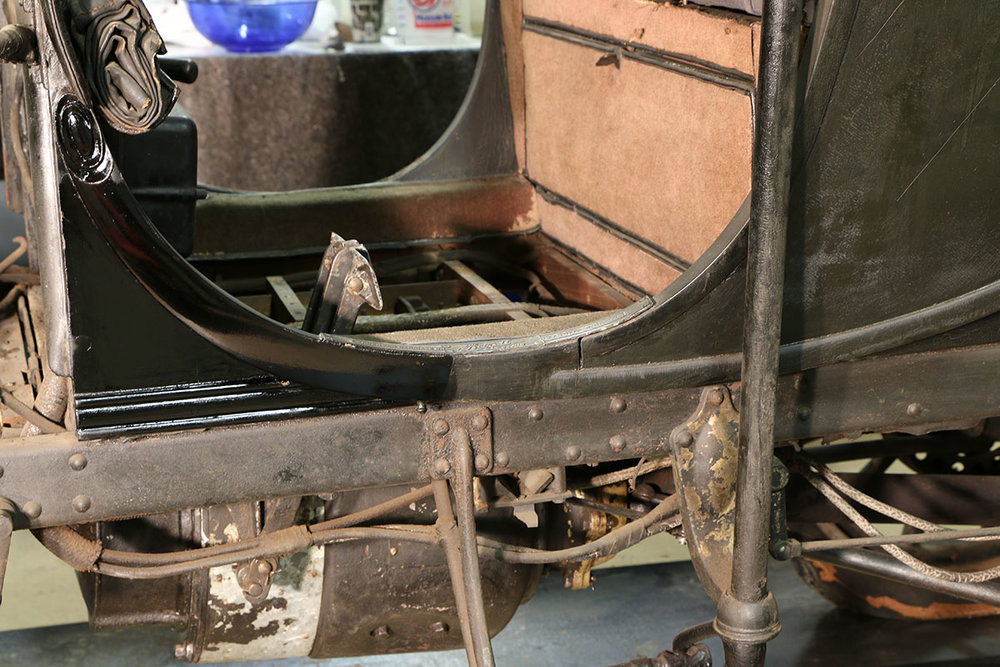 Detroit-Electric-Victoria-half-cleaned.jpg