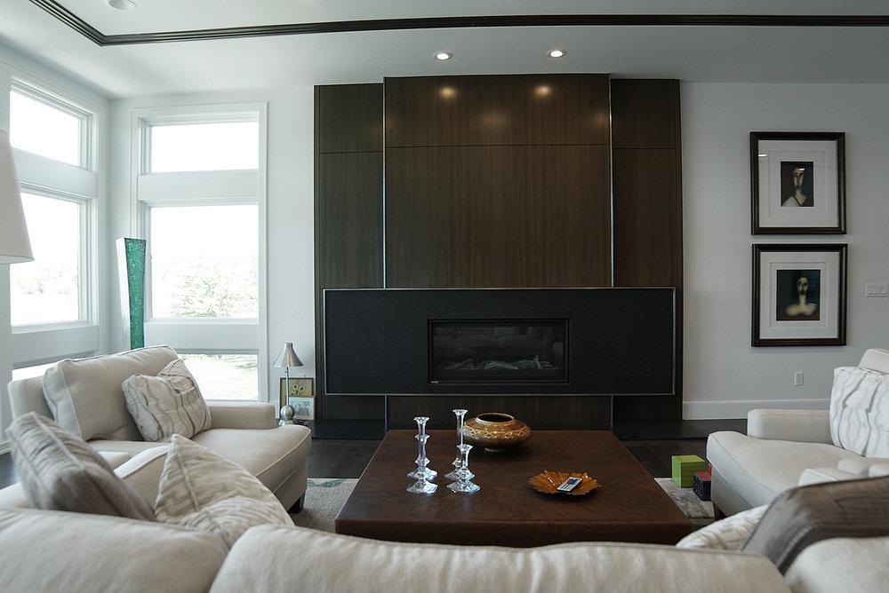 Livingroom_fireplace_DSC06413.jpg