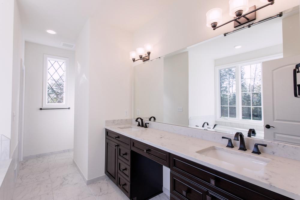 Bathroom_Sinks_01_IMG_9309.jpg