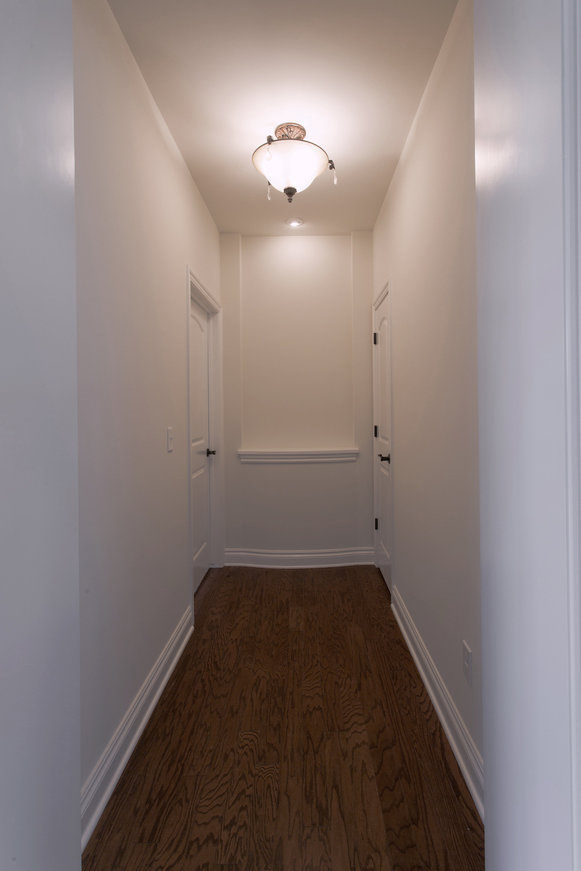 Hallway_IMG_9347.jpg