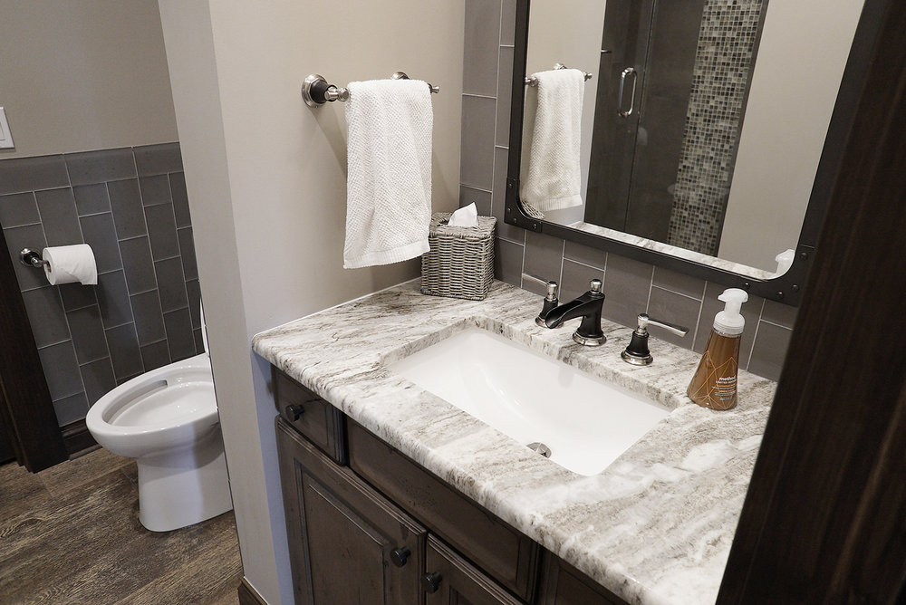 Bathroom_Sink_DSC06628.jpg