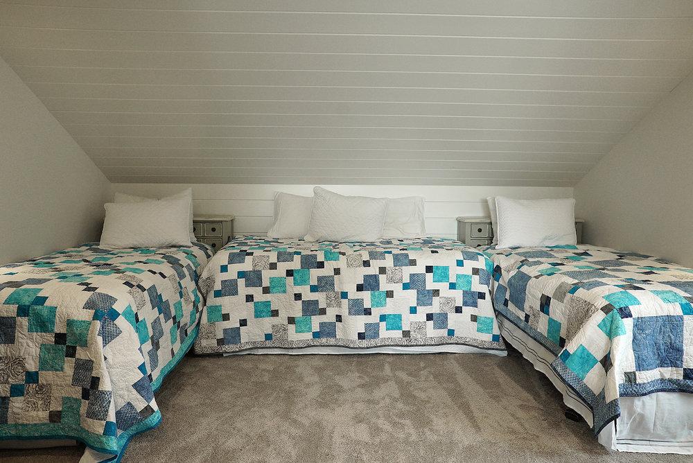 Bedroom_Loft_DSC06603.jpg