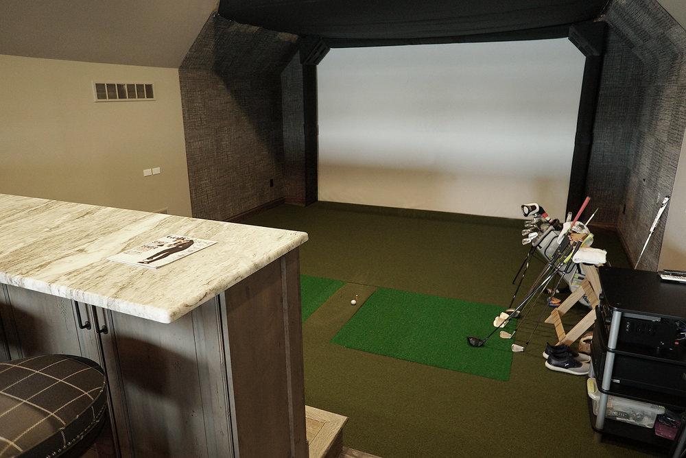 Golf_Simulator_Screen_DSC06583.jpg